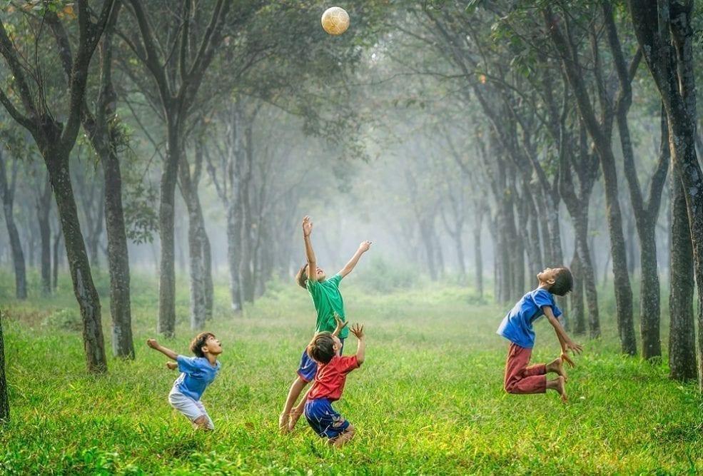 football-in-park